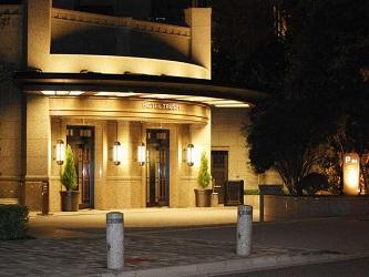トラスティホテル